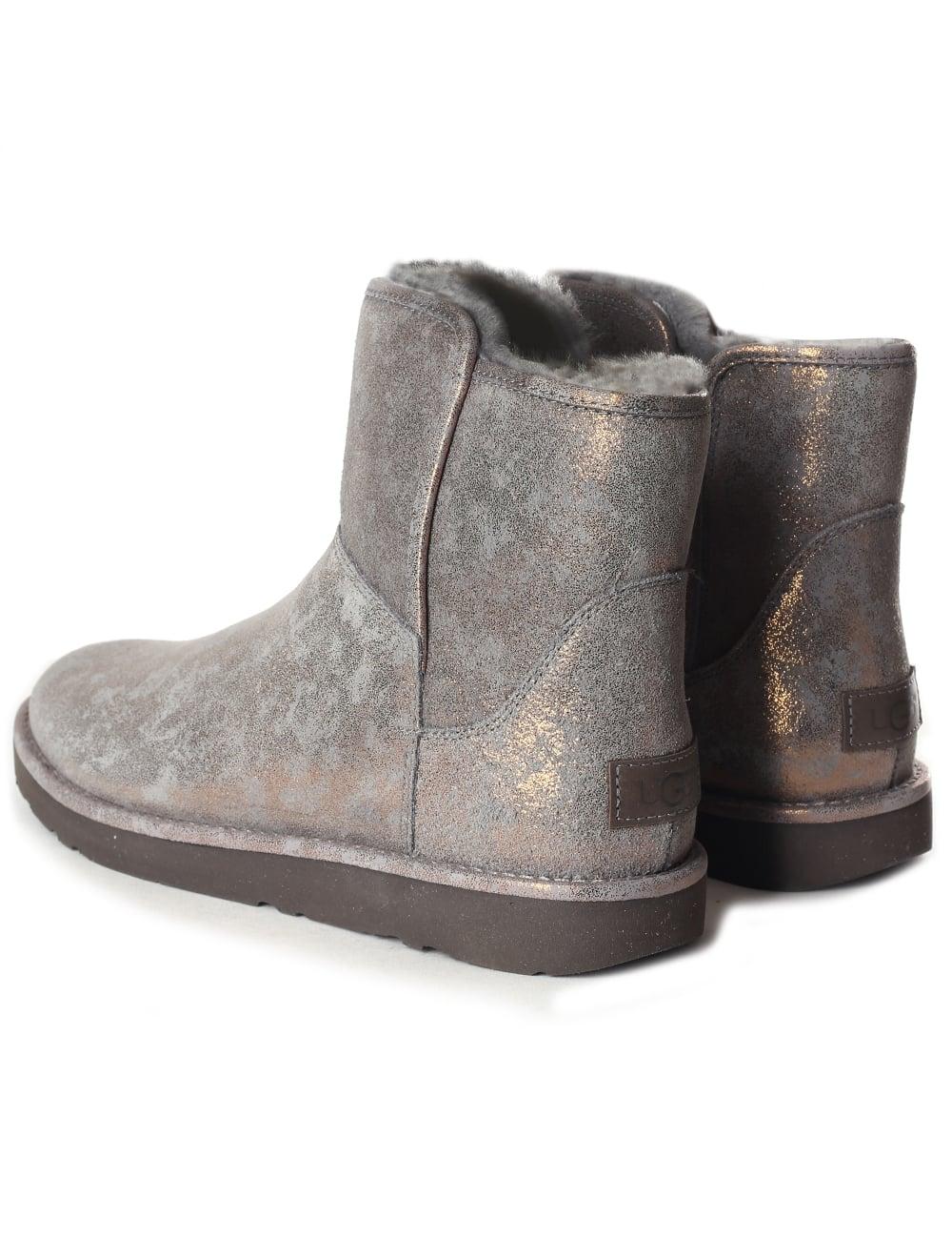 4a6914c62 Abree Women's Mini Stardust Boot
