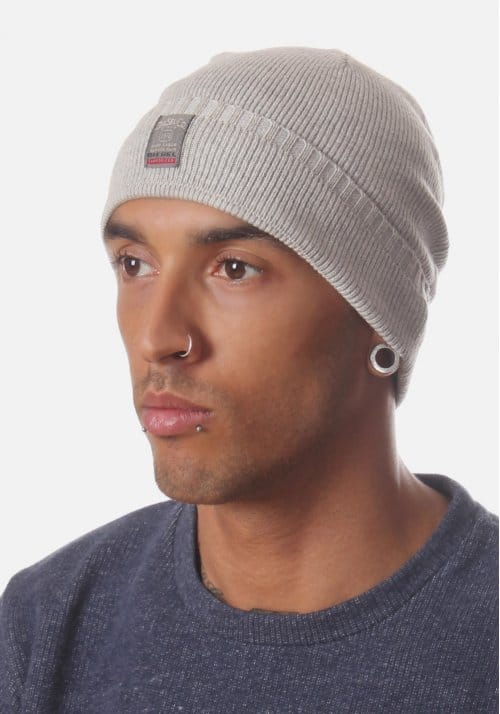 C Apri Men S Small Badge Knitted Beanie Hat Grey
