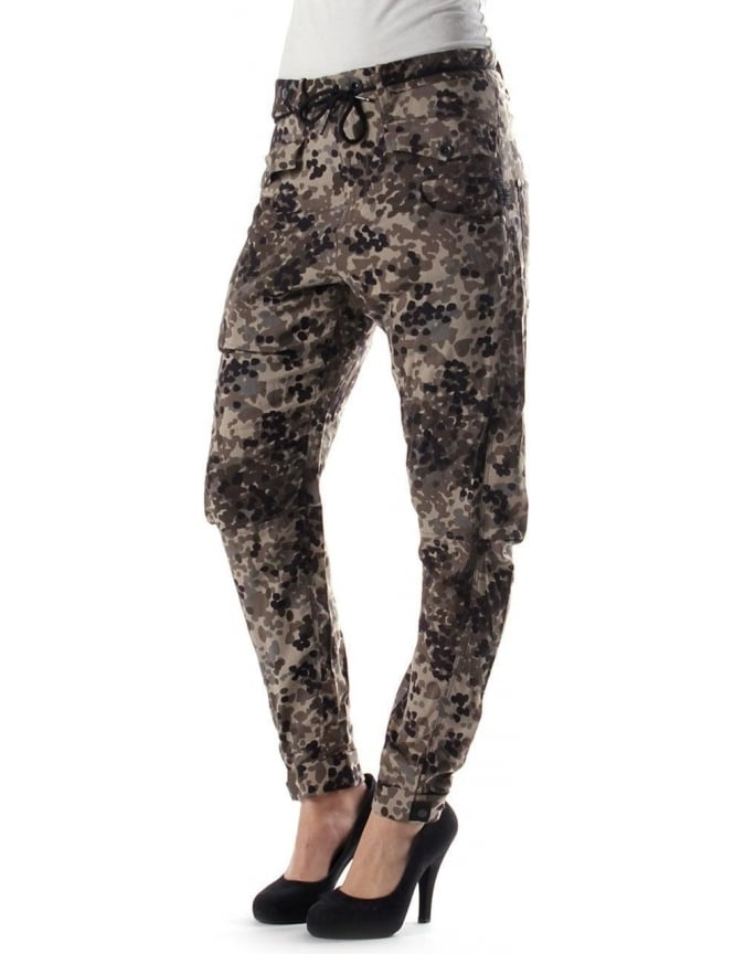 purchase cheap huge inventory 100% high quality G-Star Raw Army Radar Loose Tapered AOP Women's Trouser Camo