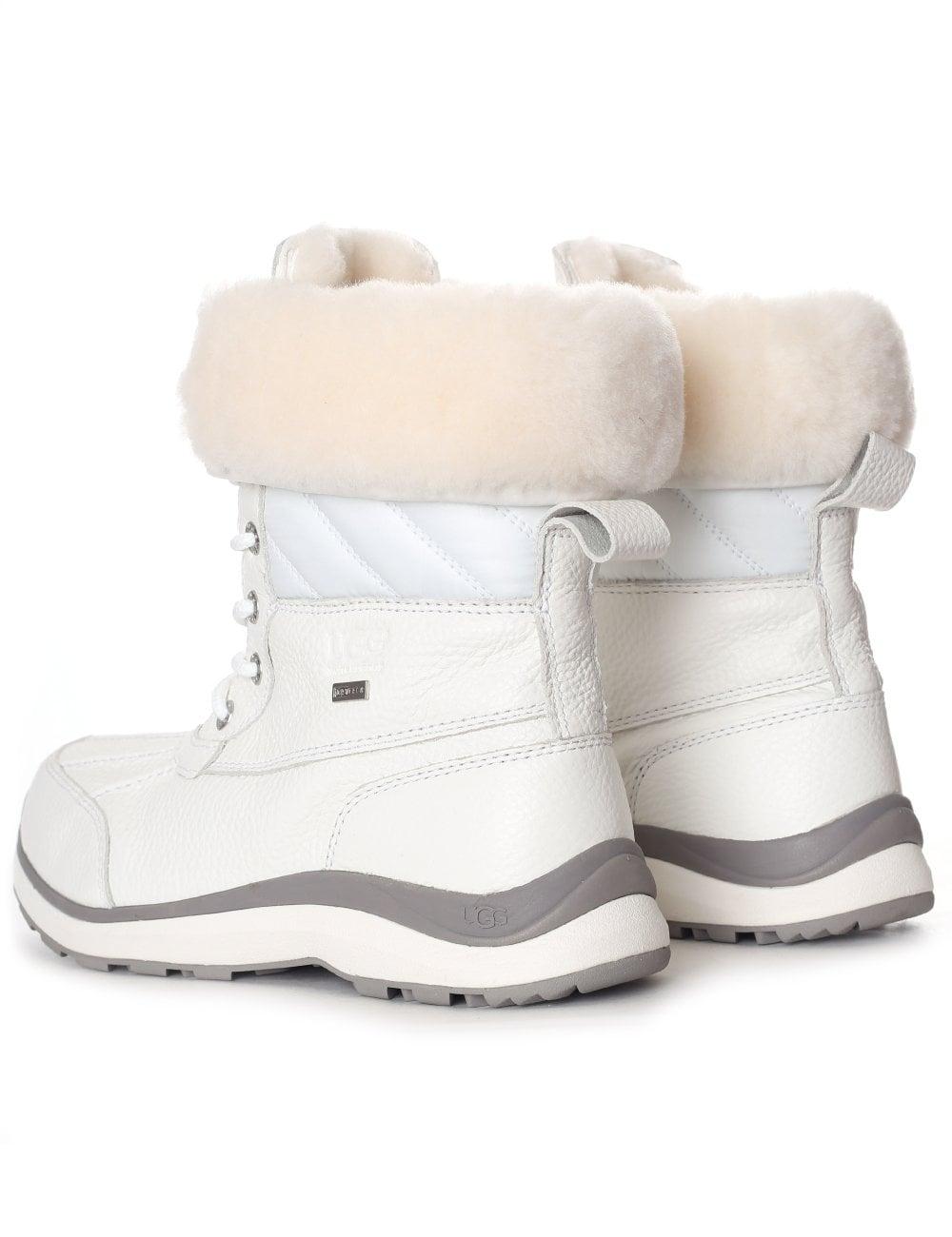 6ca1230ec19 UGG Women's Adirondack III Quilt Boot